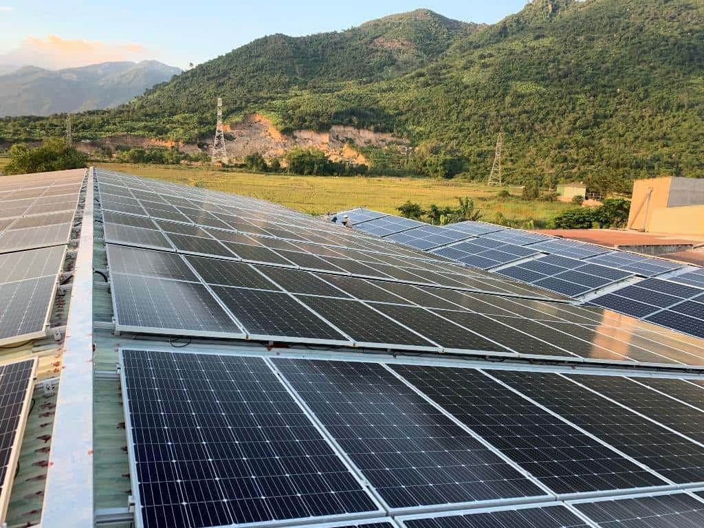 chọn điện mặt trời hay điện lưới cho farmstay 10-min