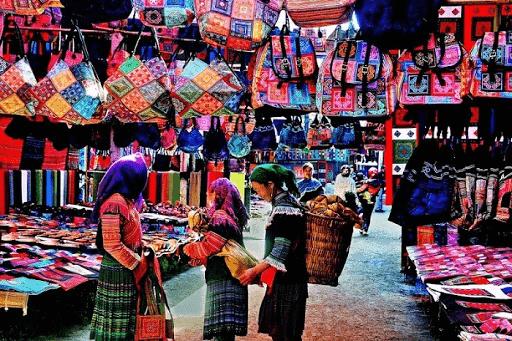 tham quan chợ đêm sapa